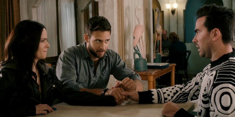 Schitt's Creek: 3×02 'The Throuple' Captures